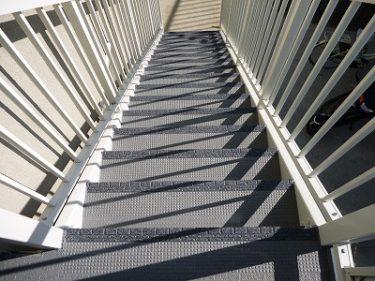 大和市 Hハイツ 外装リフォーム 階段長尺シート